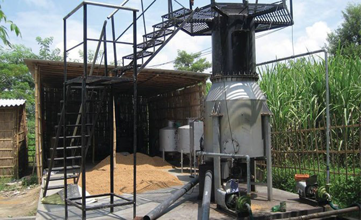 Husk Power System's biomass gassifier that is used to generate electricity